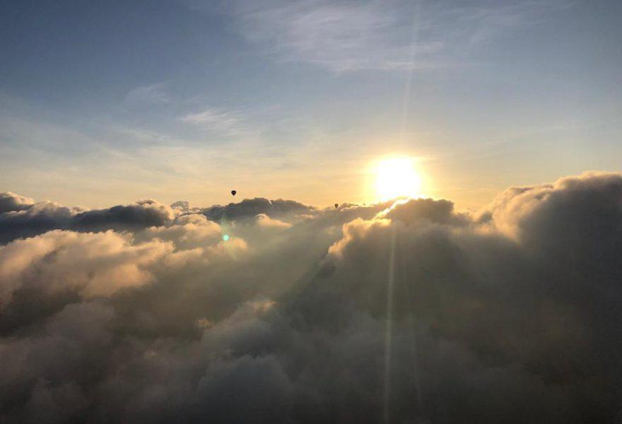 Vol en globus entre volcans
